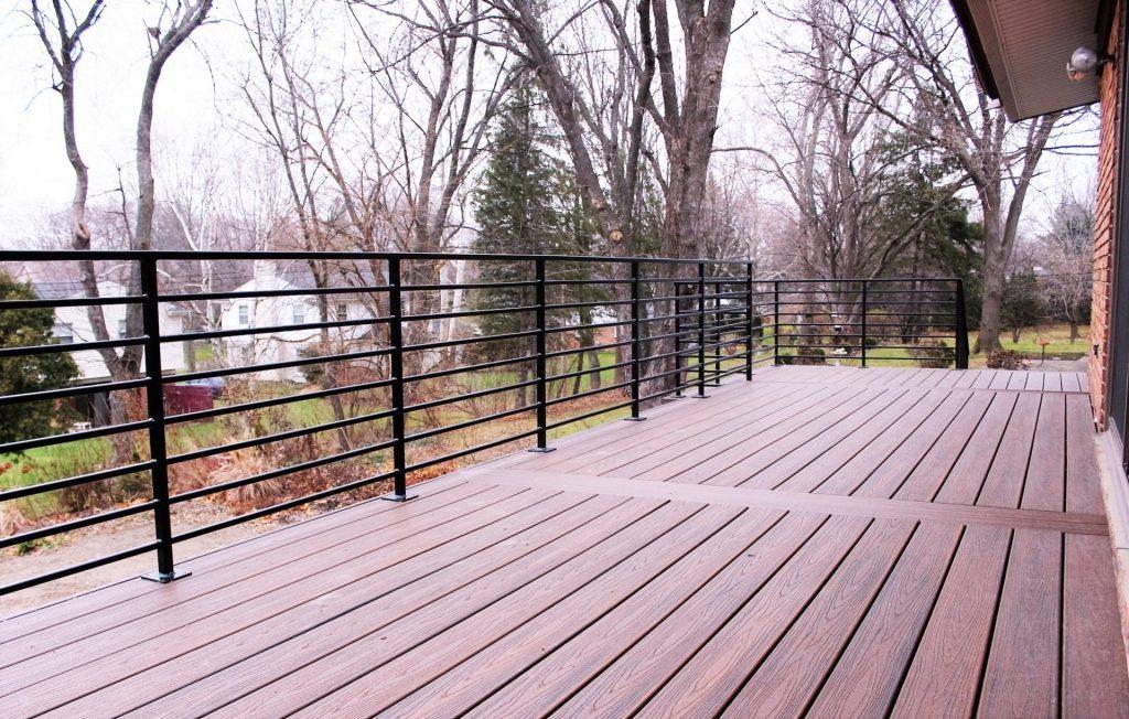 horizontal metal deck rail